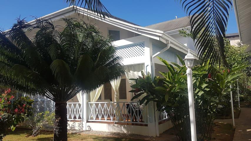 Belle Villa mitoyenne dans residence au calme