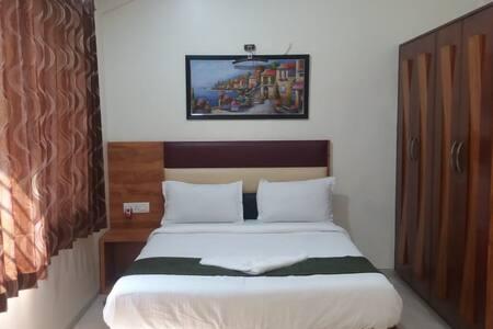 Doublebed Room pool side Villa @ Malavli, Lonavala