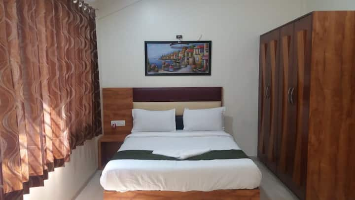 Doublebed Room pool side Villa @ Malavli, Lonavala