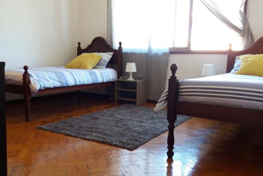 2 camas individuais