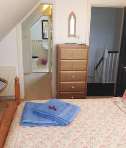 A Cosy Room with Private En Suite - East Cowes - 獨棟