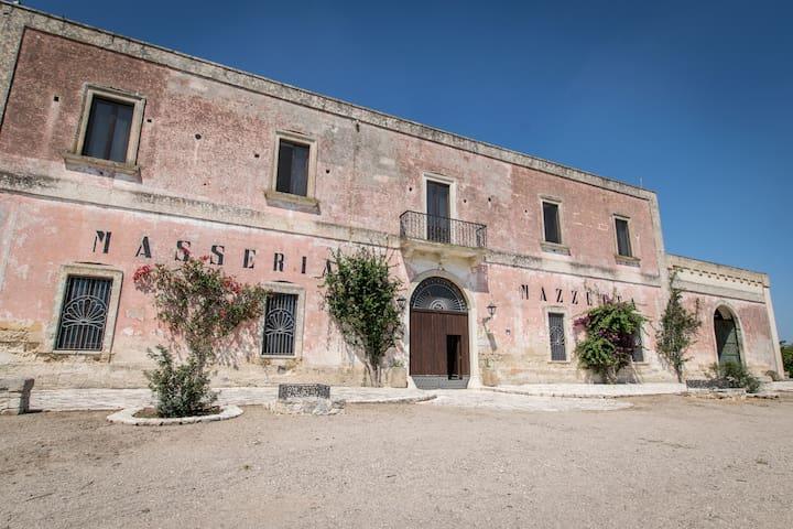 Camera Matrimoniale in tipica Masseria Pugliese