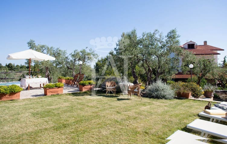 Villa Santa Croce: Luxury Holiday Home for rent