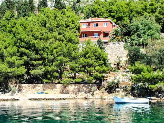 """Candela"" - Ap.3 (partial sea view),private beach - Starigrad - Departamento"