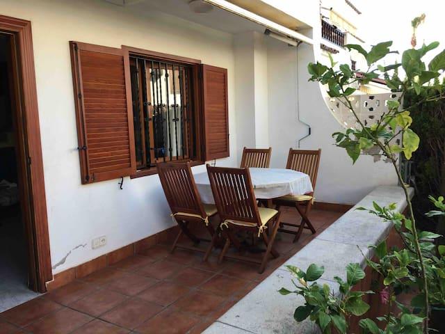 Villa Unifamiliar Amplia