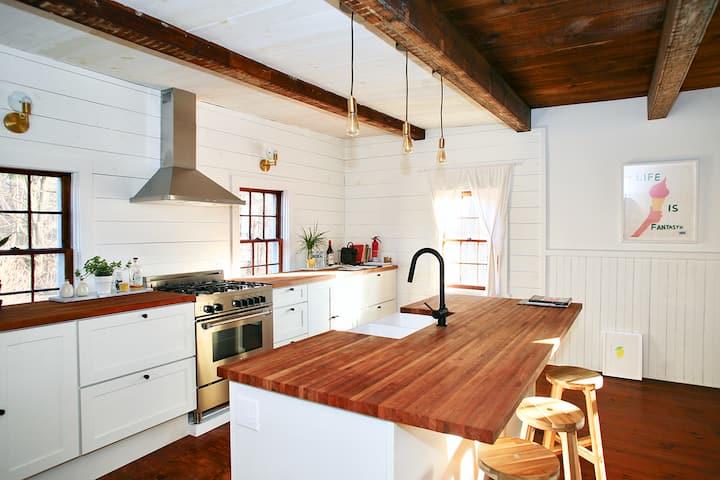 Updated Antique Farmhouse on Idyllic Country Lane