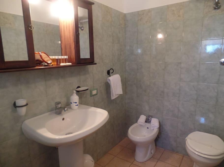 Blu Room Bath room