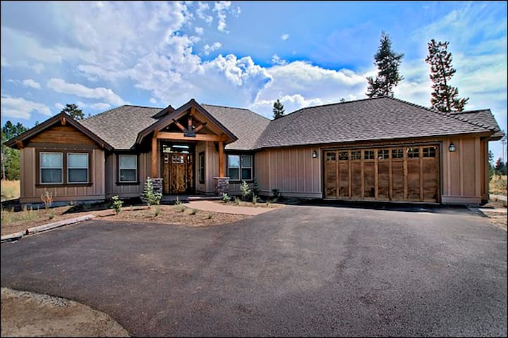 AFFORDABLE LUXURY IN CALDERA SPRINGS! Book Today!!