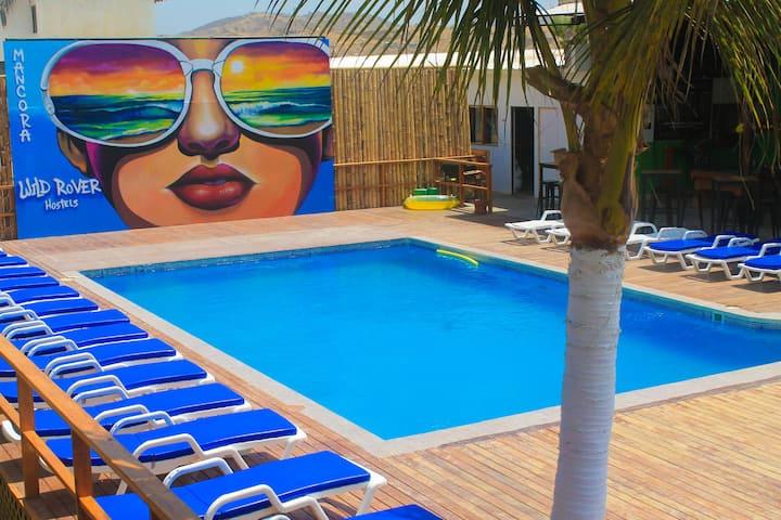 Wild Rover Beach Resort - Dormitorio Compartido