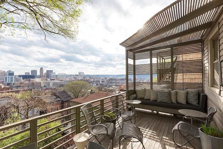 Downtown/OTR Home with Stunning Views -Free Parkng