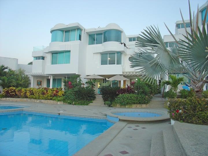 Capaes Santa Elena - Luxury Beach House, 4 Bedroom