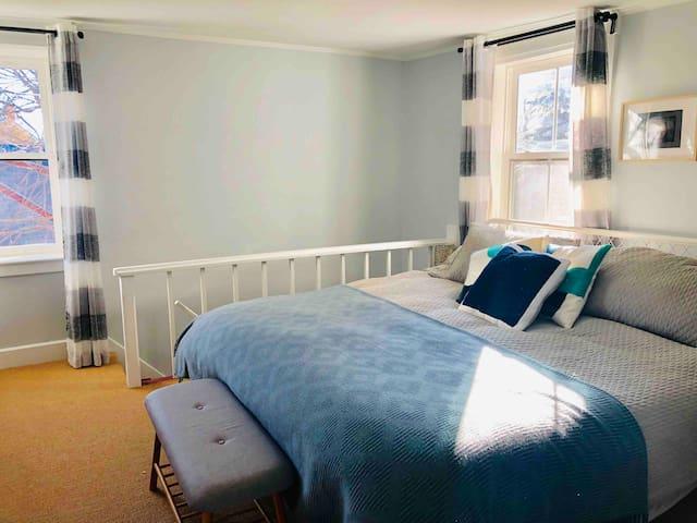 Water Street House – East Suite