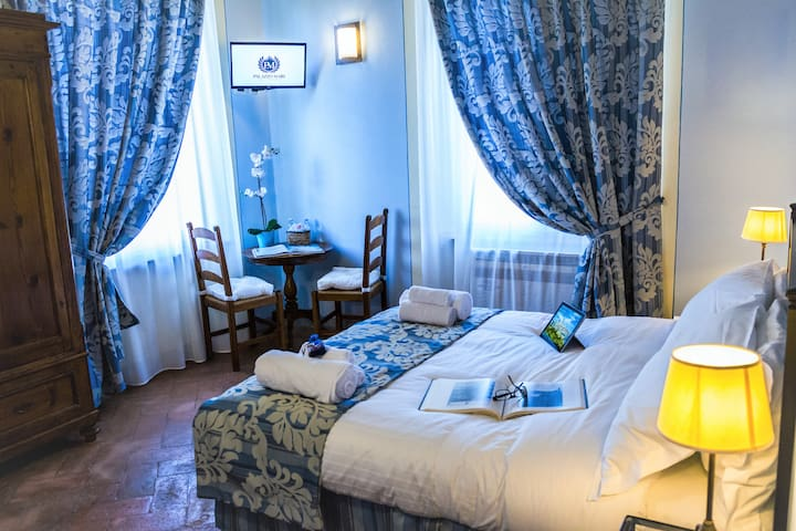 Comfort and Relax in the heart of San Gimignano.