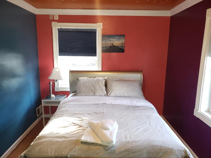Cozy bedroom nearSS 6min to Holy Cross Hospital-A2