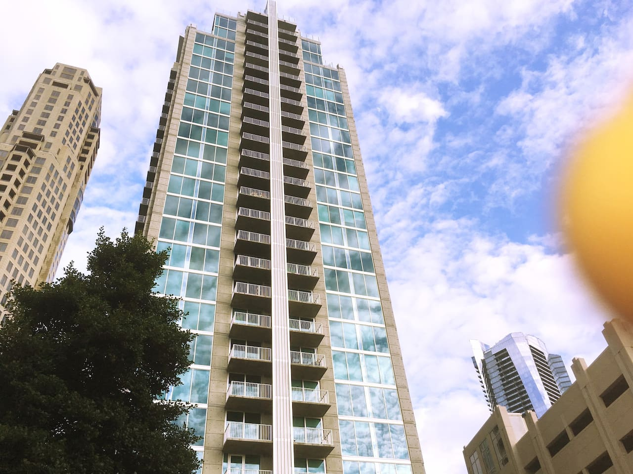 SKYHOUSE 2 bed x2Atlanta Highrise Apt/ balcony - Apartments for Rent ...