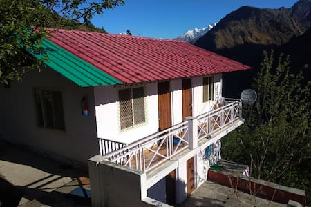 Humble stays in Joshimath - Snowy Area! Room 4
