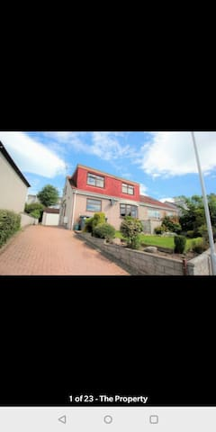 2 Single rooms to let in a 4 bed home