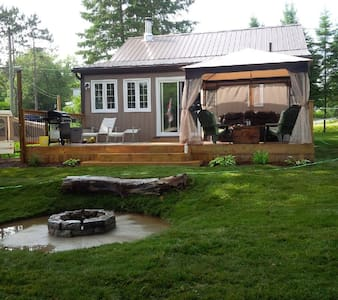 Waterfront cottage right on snowmobile trail - Magnetawan - Kabin