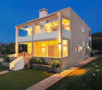 Balconies on Sea - The Garden Apartment