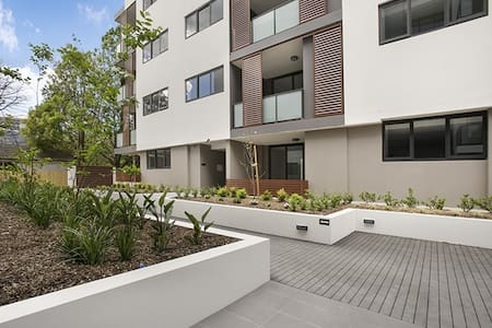 Ultra Modern Double Storey 2 Bedroom Penthouse!!! - Waitara - Apartament