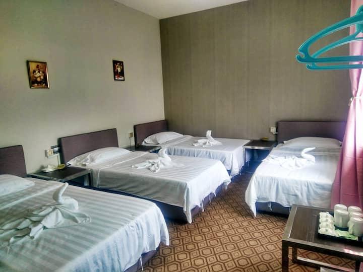 仙本那侨之家5张床房间_独立卫生间(中文服务)_提供免费早餐