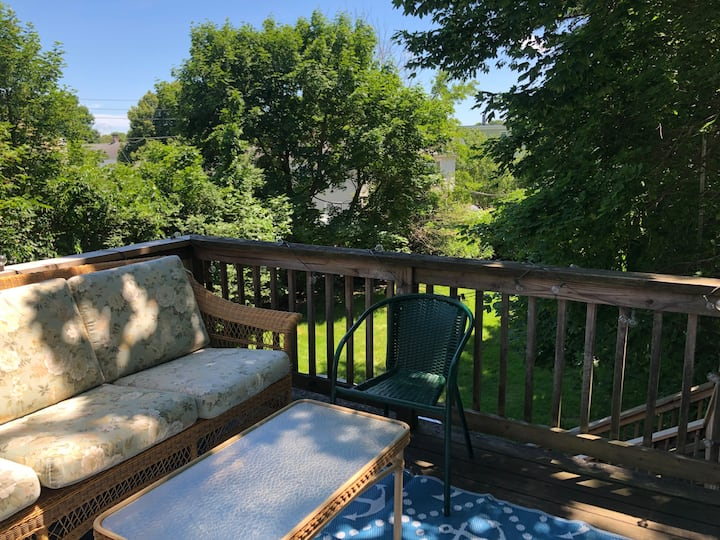 Private Deck! Walk 2 Anywhere In Historic Downtown