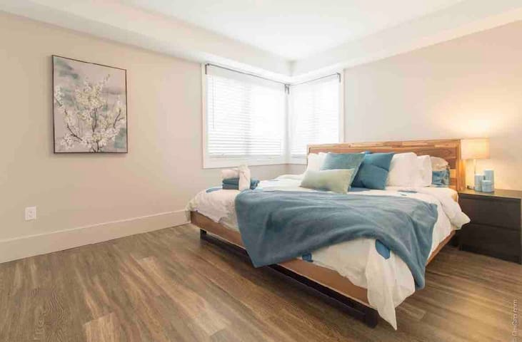 Brand New Downtown 1 Bedroom- Hintonburg