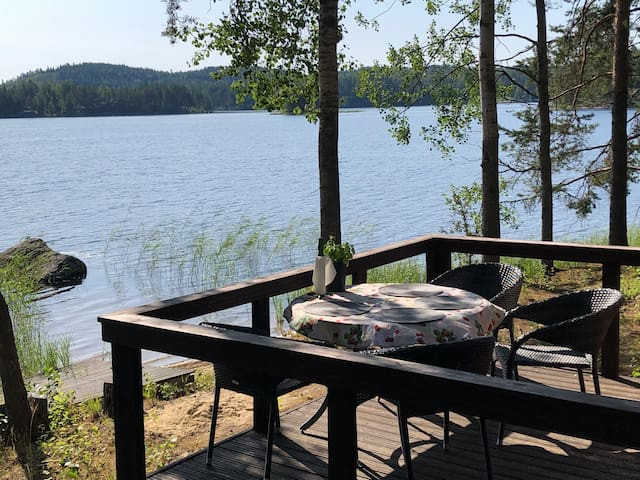 Cosy cottage by the lake Saimaa