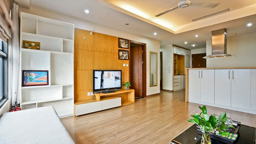 May's home - 2br Luxury Apartment @ Star City