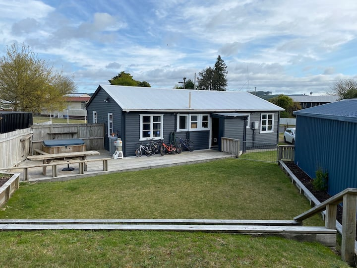 Enjoy your own space in a Kiwiana bach