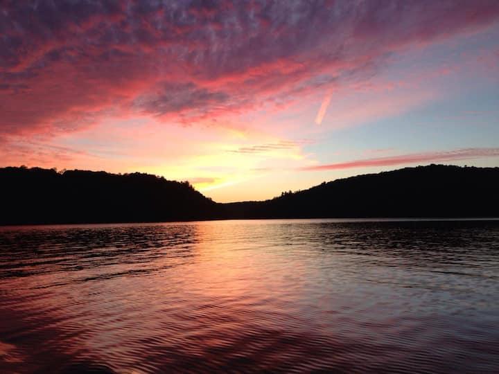 Haliburton Cottage Paradise on a beautiful lake
