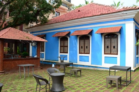 Deluxe Suite in a Heritage Home Near Mapusa Goa - Mapusa