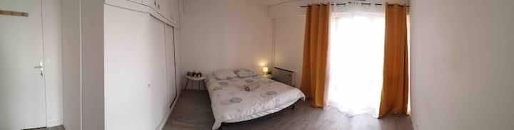 Grande chambre calme dans Rennes
