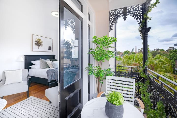 Designer Styled Studio In The Heart Of Trendy Glebe