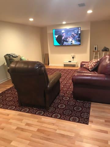 Den & Sitting Area