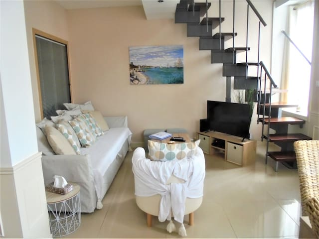 Duplex Juno Beach, sea side, Classified 3 ***