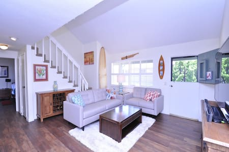 Stained Glass Loft by the Sea, 3 bed/1.5 bath - Carlsbad