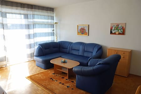 Beautiful sunny Appartment with private parking.