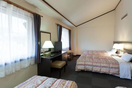 Four Beds for Families, with hot springs, close to Mt. Hiruzen in Okayama