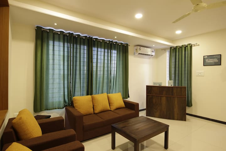 Lavish Platina Raheja Rooms