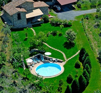 Exclusive villa with pool jacuzzi wifi and green - Montecastelli Pisano - Casa de camp