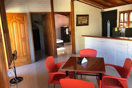 Apartamento amoblado cerca al P. Hacienda Nápoles