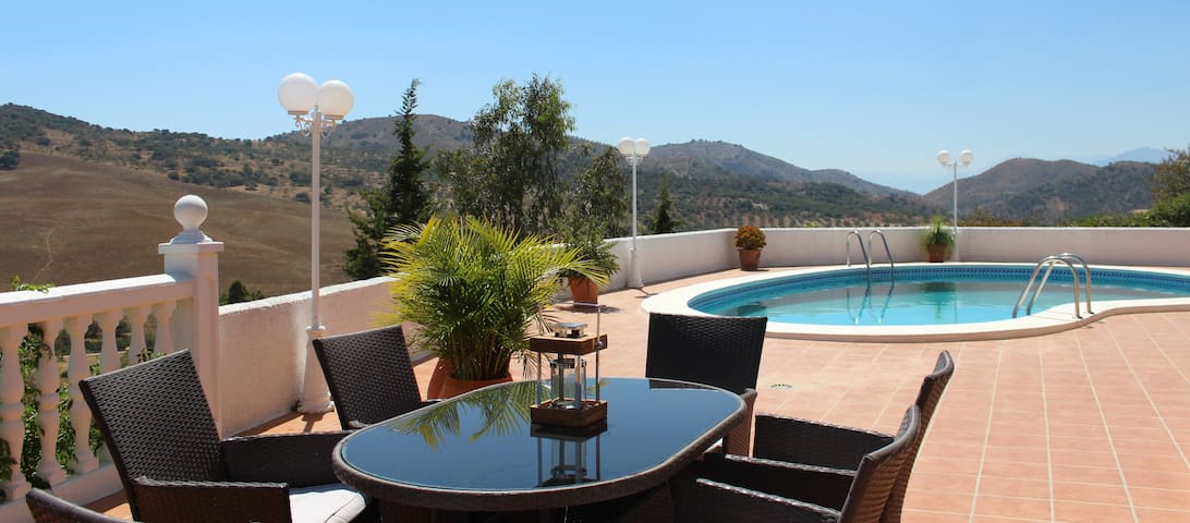 Luxurious Villa with stunning views & private pool - Fuente Amarga