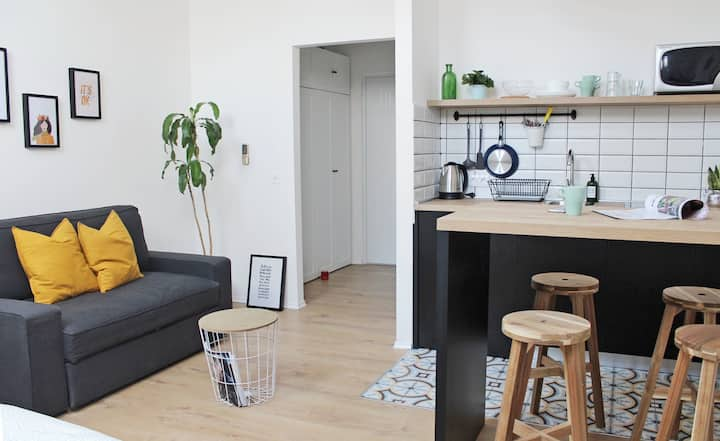Studio apartment with parking
