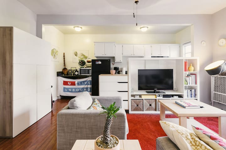 Perfectly Located Cozy Apartment with Lot of Light