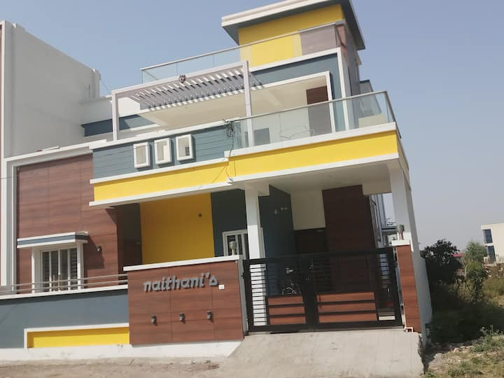 Naithani Home Stay Room 102 non ac room