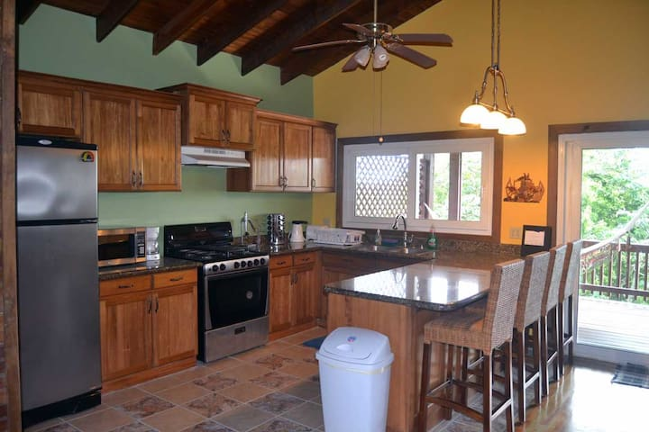 Large kitchen, fully equipped