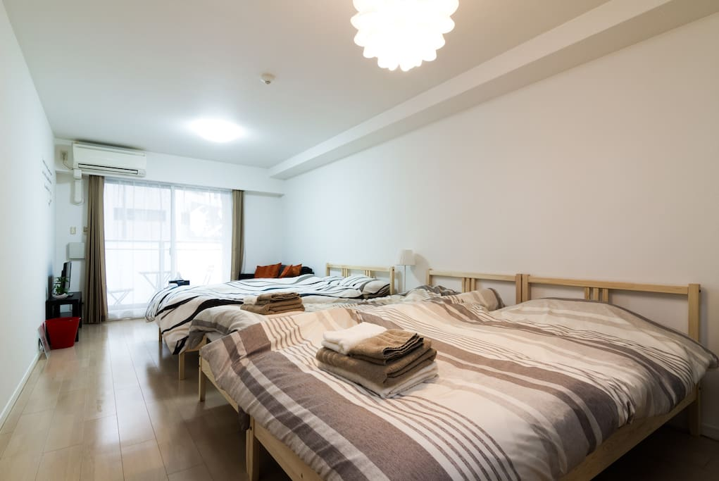 ※Newly built apartment※ 1 Double size bed(140cm×200cm),2 single bed(90cm×200cm),three-quarter sofa bed(120cm×180cm)