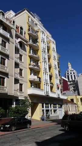 Студия около Шератона 1 - Batumi - Apartment