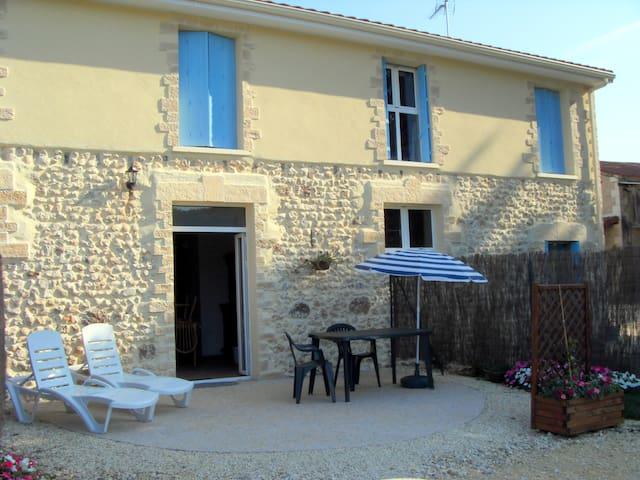 Gîte de charme en pleine nature - Saint-Geyrac - Casa